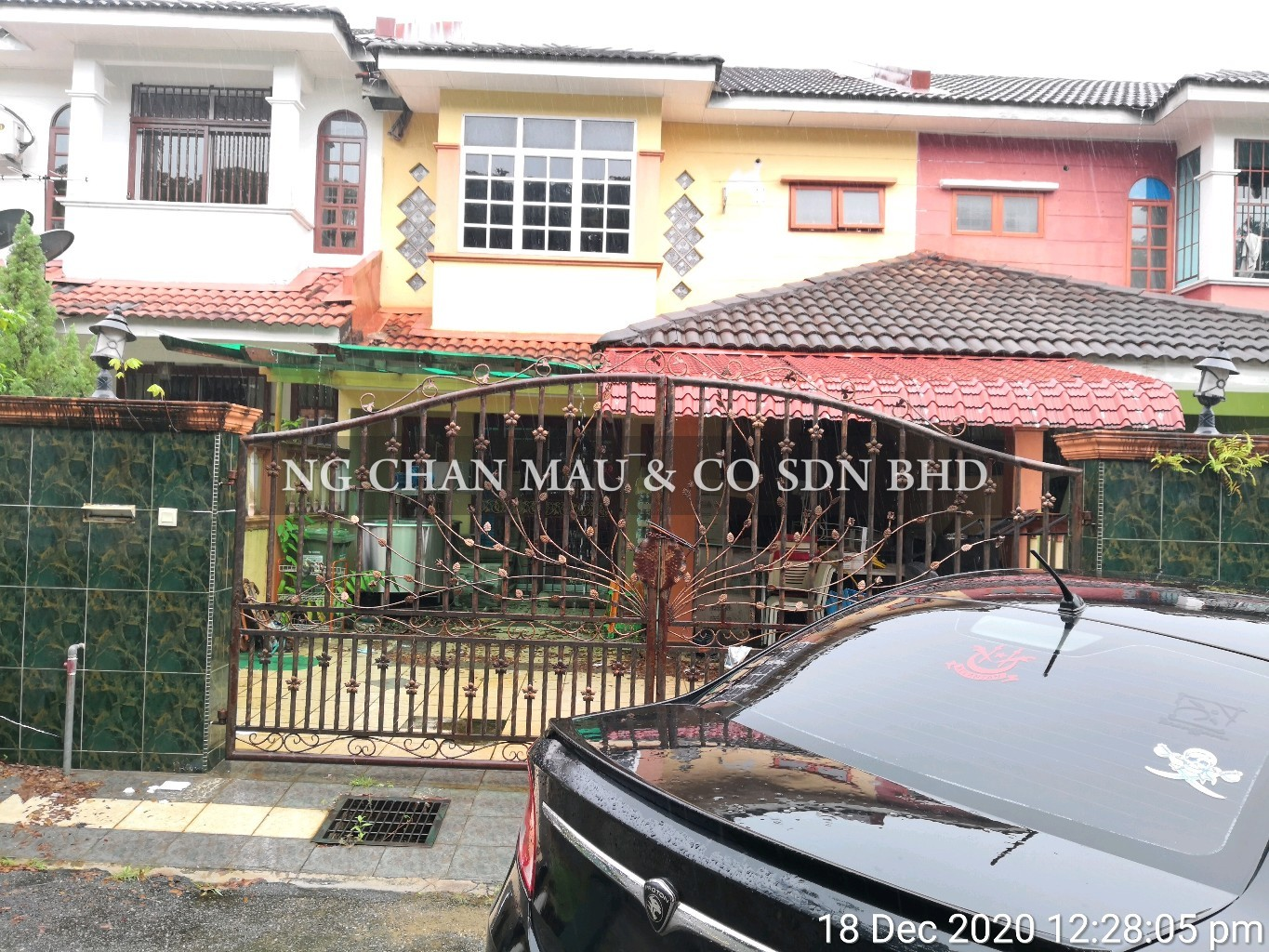 [Short distance to Kuantan's Famous Malls] 2 Storey Terrace House, Renovated (Vacant Unit)