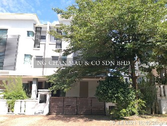 [Vacant unit + Freehold] 2.5 Storey Semi Detached House