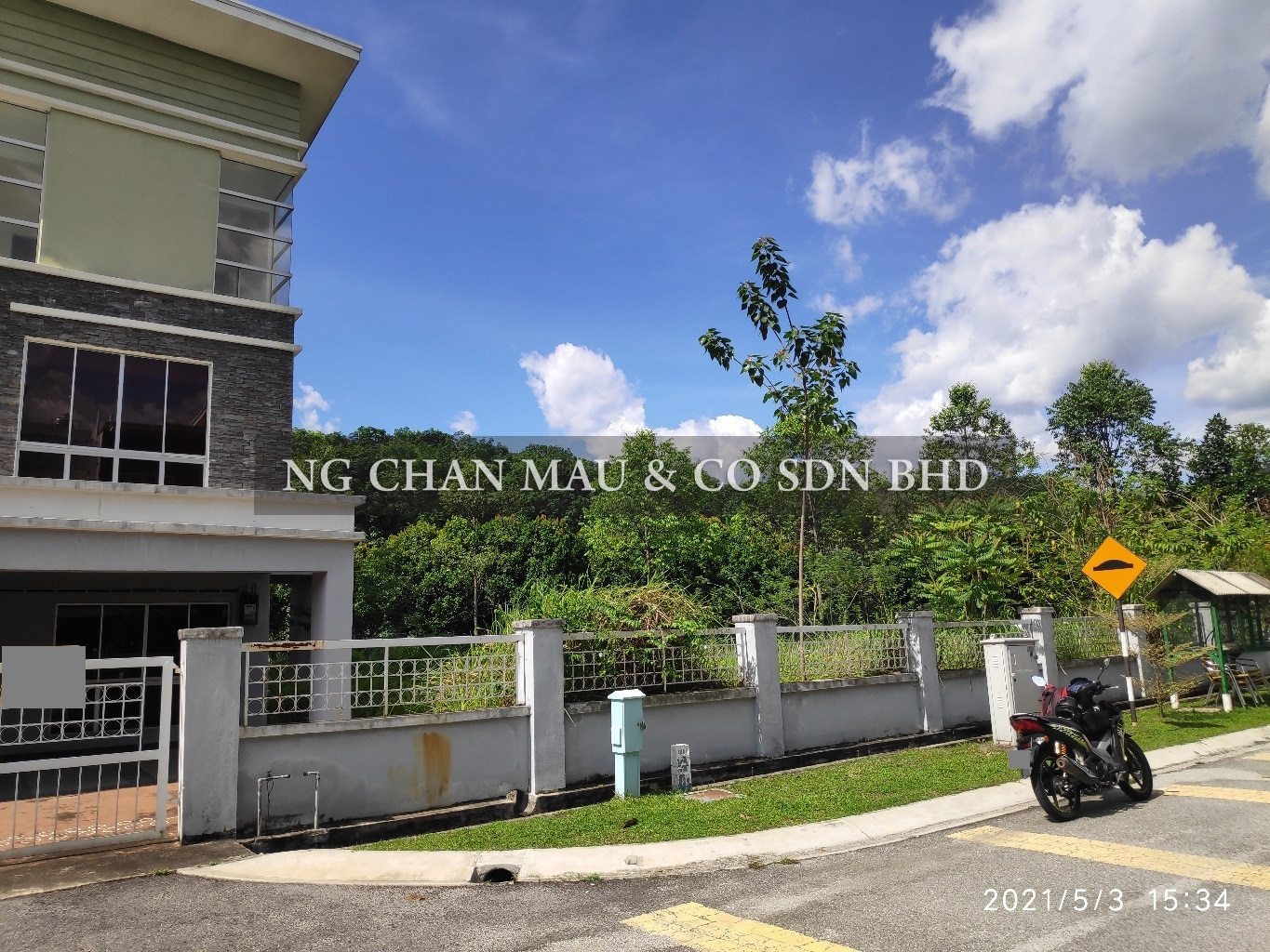 [Price dropped 19% + Vacant Unit] Freehold 5 Bedroom + 4 Bathroom Spacious 3 Storey Terrace House, Corner Lot [5 min to Kuang KTM Station; 70% Occupancy Rate]